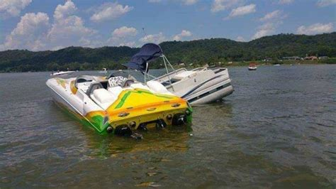 pontoon boat sinks in ohio river report boat collision on ohio river wkrc