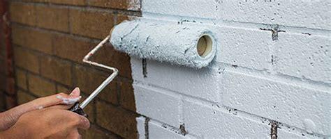 beton ciré mur cuisine peindre des briques comment peindre
