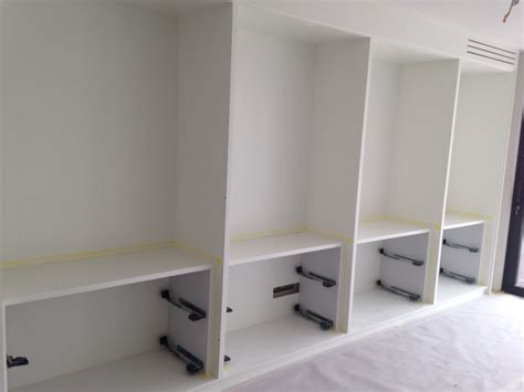 peindre placard cuisine peindre des portes de placard fa ades standards de