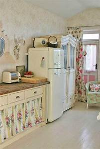 32 sweet shabby chic kitchen decor ideas to try shelterness With kitchen colors with white cabinets with french shabby chic wall art