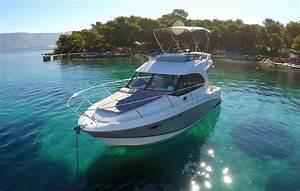 Bnteau Antares 30Fly Seamotion For Rent Split Croatia