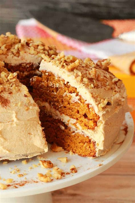 vegan pumpkin cake  cinnamon buttercream frosting