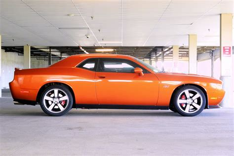 File:2011 Dodge Challenger SRT8   Wikimedia Commons