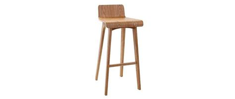 chaise de bar en bois tabouret chaise de bar design bois naturel scandinave baltik miliboo