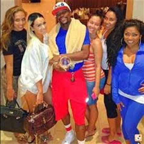 Lakenya's Perspective: Floyd Mayweather and his harem of
