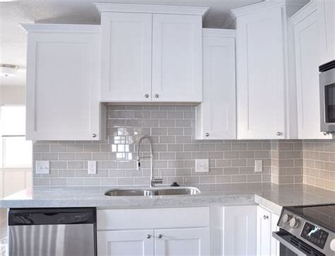 kitchen backsplash materials 25 best ideas about subway tile colors on 2229
