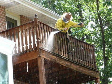cleaning deck  vinegar  baking soda house style