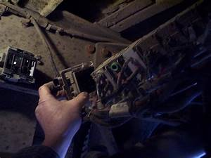 School Bus Mechanic  Changing An Amu Module On A C2 School Bus