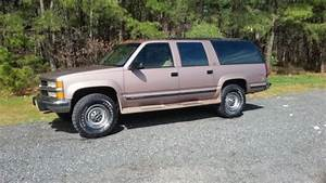 1994 Chevrolet Suburban 2500 Diesel 4x4 Low Miles Nice