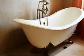Refinishing A Clawfoot Tub by 4 Tips For Reglazing A Clawfoot Bathtub