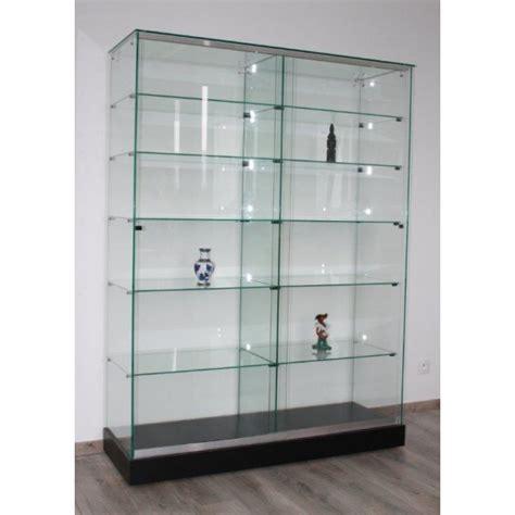 vitrine d exposition en verre vitrine cr 233 puscule vitrines pour magasin mus 233 e vitrine large mod 232 le cr 233 puscule