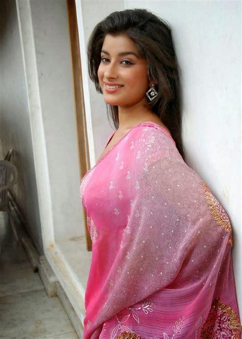actress madhurimas hot saree photoshoot hotsure
