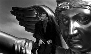 Five visual themes in Wings of Desire – Wim Wenders ...