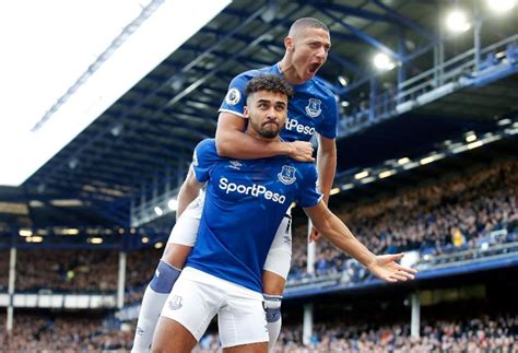 (born 16 mar, 1997) forward for everton. Why does Dominic Calvert-Lewin get ignored? The Everton ...