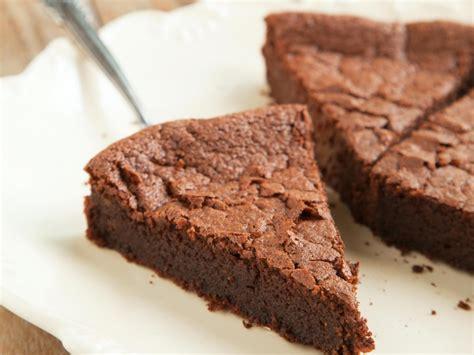liste des ustensiles de cuisine gâteau très rapide au yaourt et au chocolat recette de