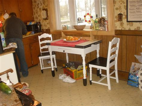 Walmart Kitchen Table And Chairs by Walmart Kitchen Tables And Chairs Interior Exterior