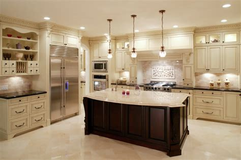 25 of Our Very Best Traditional Kitchen Designs (FANTASTIC