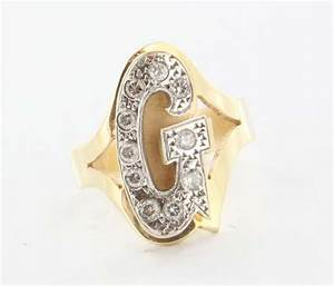 vintage 14 karat yellow gold diamond letter g initial ring With letter g ring