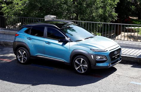 crossover cars 2018 2018 hyundai kona is ready to battle the toyota c hr the