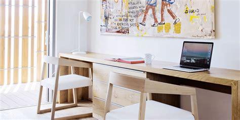 un bureau dans une pièce nos exemples à copier