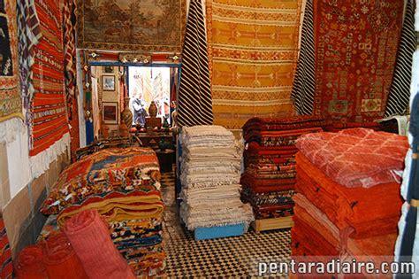 expression marchand de tapis marchand de tapis 224 essaouira maroc voyages en images
