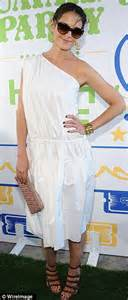 Katie Holmes steps out in unflattering white dress and ...