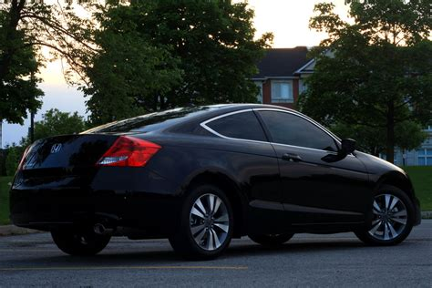 2011 Black Honda Accord Coupe High Resolution Pictures