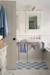 Nantucket summer home traditional bathroom boston for Nantucket style bathrooms