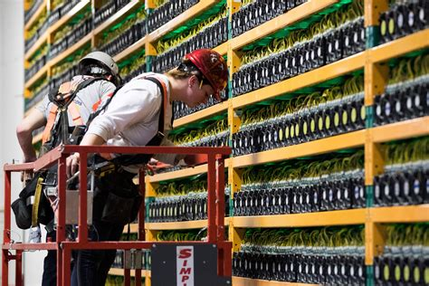 How much a miner earns. Bitcoin Mining Firms Whinstone, Northern Bitcoin Merger Announced; Creates World's Biggest ...