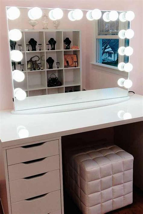 vanity con 31 fascinantes tocadores con espejo de luces que te