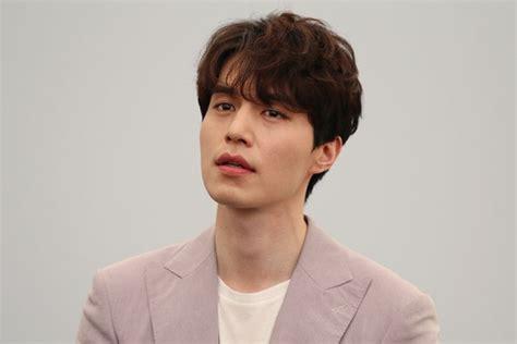 model rambut pria ala korea  bisa kamu tiru