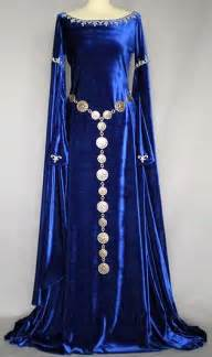 Medieval Dresses and Gowns
