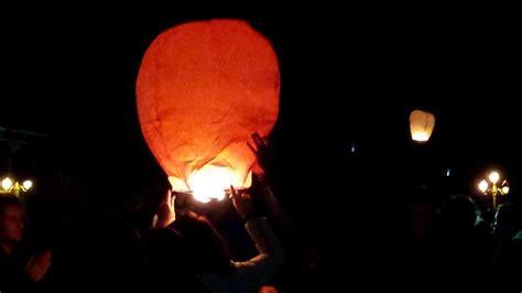 vid 233 os quand 500 lanternes illuminent le ciel de bayonne sud ouest fr