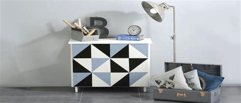 repeindre meuble cuisine mélaminé peindre un meuble ancien idée peinture béton ciré