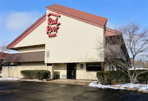 Red Roof Inn Detroit-plymouth Canton How To Kill Moss On A Roof North American Roofing Reviews Mold Much For New Cleaning Off Ice Dam Red Airport Steel Panels