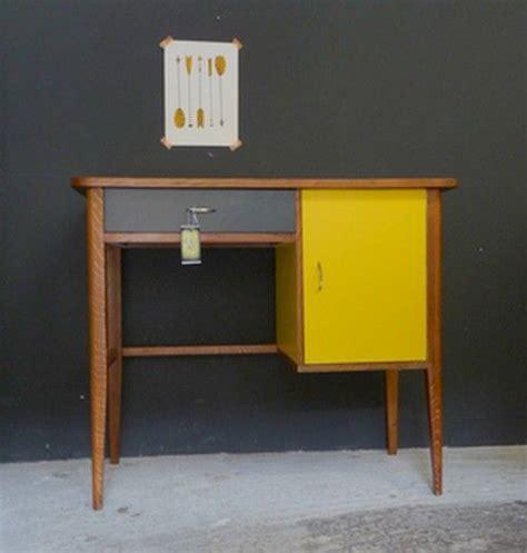 bureau vintage 馥s 50 bureau vintage ées 50 jaune et gris paul meubles et mobilier vintage restauré relooké design rétro chic incontournable déco vintage