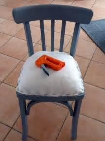 Tapisser Une Chaise : les 52 meilleures images du tableau tapisser une chaise sur pinterest chaise fauteuil chaises ~ Melissatoandfro.com Idées de Décoration
