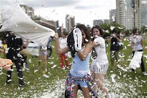 International Pillow Fight Day   Toronto Star