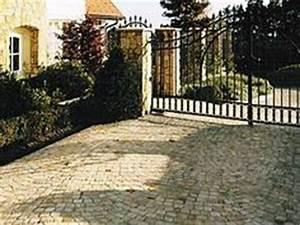 Granit Pflastersteine Größen : porphyr naturstein pflaster gemischtfarbig kombiniert mit carrara pflastersteinen ~ Buech-reservation.com Haus und Dekorationen
