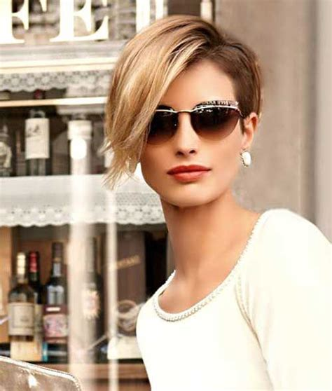 20 Short Hairstyles for Fat Faces and Double Chins 2019