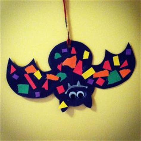 best 25 bat craft ideas on 863 | a27b0753c74cc44260cb2e7093f4f2f4 halloween for kids preschool halloween