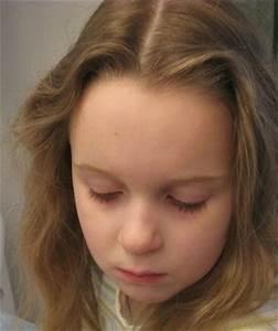 Coiffure Petite Fille Facile : une coiffure simple pour petite fille coiffure simple et facile ~ Dallasstarsshop.com Idées de Décoration