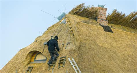 wie lange hält ein reetdach wie lange hlt ein reetdach finest mit echtem reetdach cm with wie lange hlt ein reetdach das