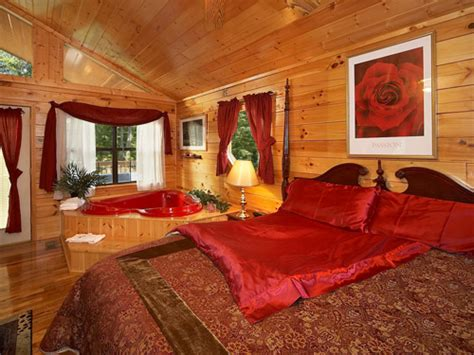 5 Bedroom Cabins In Pigeon Forge by Pigeon Forge Cabin Satin Sheets 1 Bedroom