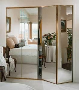 Miroir Adhésif Pour Porte : les portes de placard pliantes pour un rangement joli et ~ Dailycaller-alerts.com Idées de Décoration