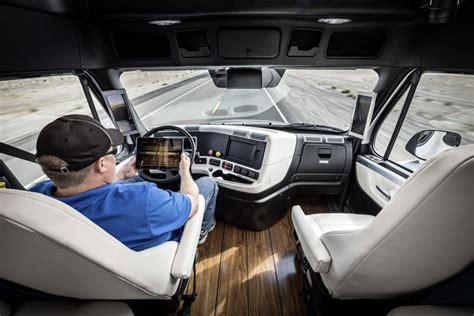daimler unveils  driving transport truck  nevada