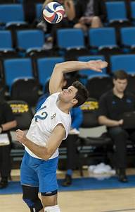 UCLA men's volleyball falls to CSUN in back-and-forth ...