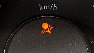 Voyant Serv Clio 2 : tuto voyant d airbag allum comment r gler a vid o youtube ~ Medecine-chirurgie-esthetiques.com Avis de Voitures