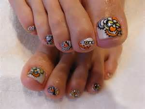 Chic toe nail art ideas for summer