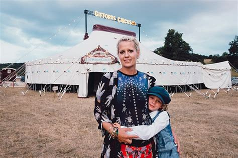 single mother  founded  traveling circus reveals